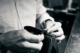 Aladin-stitch-by-hand-crude-leathersprap