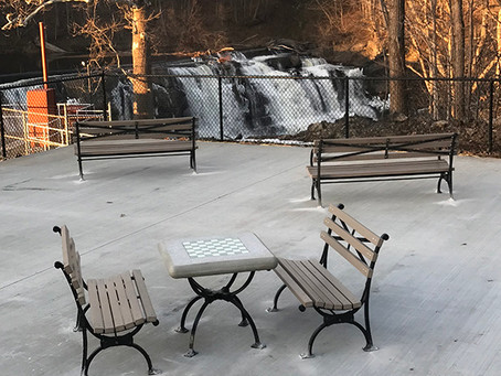 Viewing Patio at the Falls