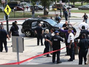 미국 래퍼 교도소 나서자 마자 총 64발맞고 사망