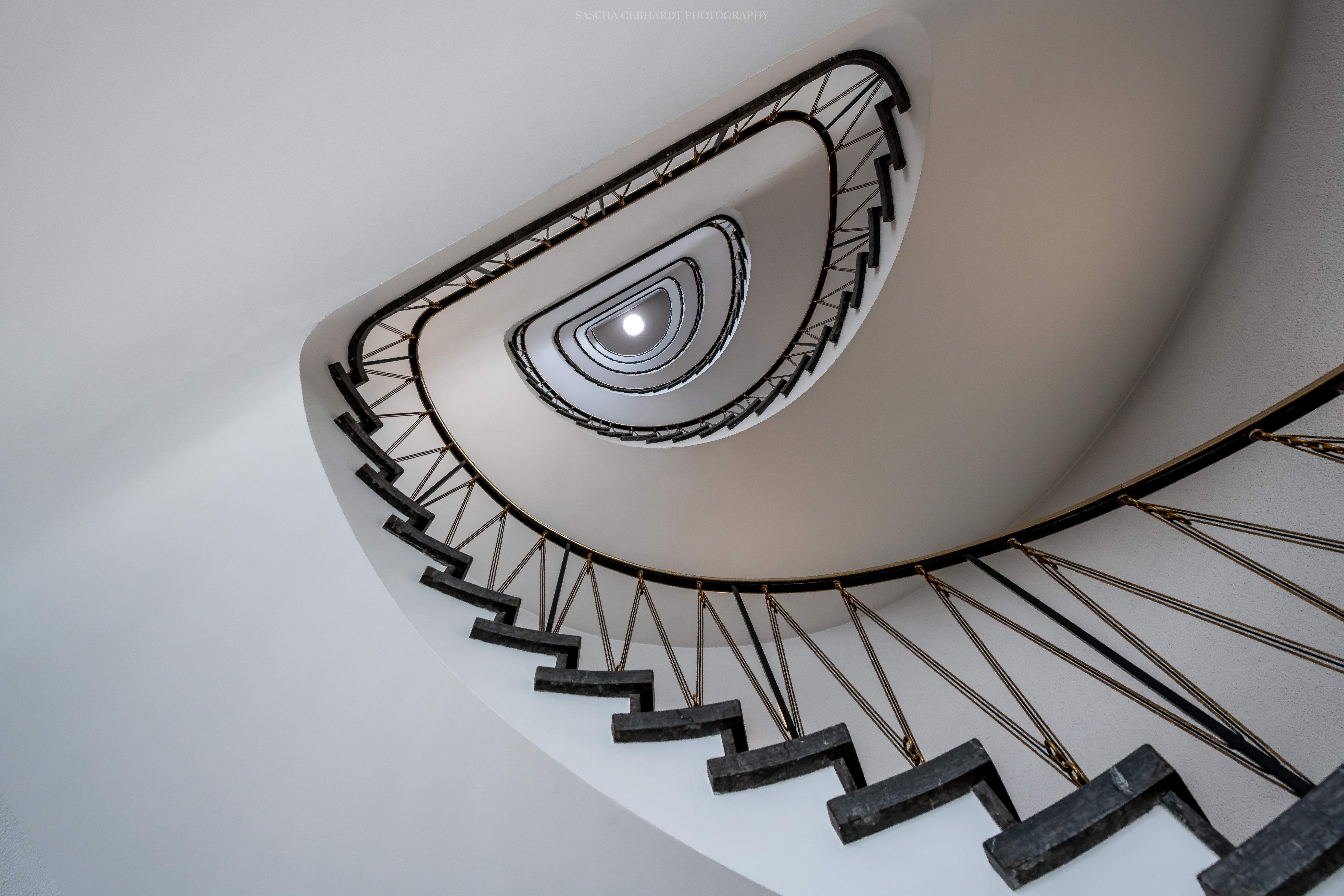Staircase No. 23-2