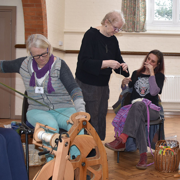 Sue_Hiley_Harris_silk_spinning_workshop_