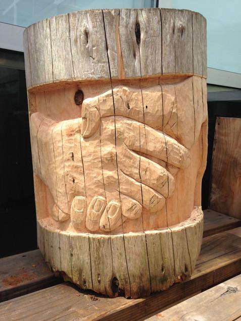 Handshake Carved Stump