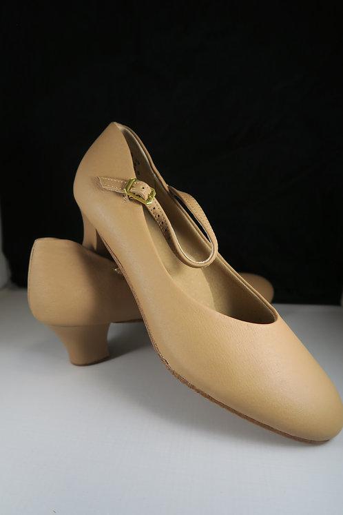 Low Heel Chorus Shoes Beige