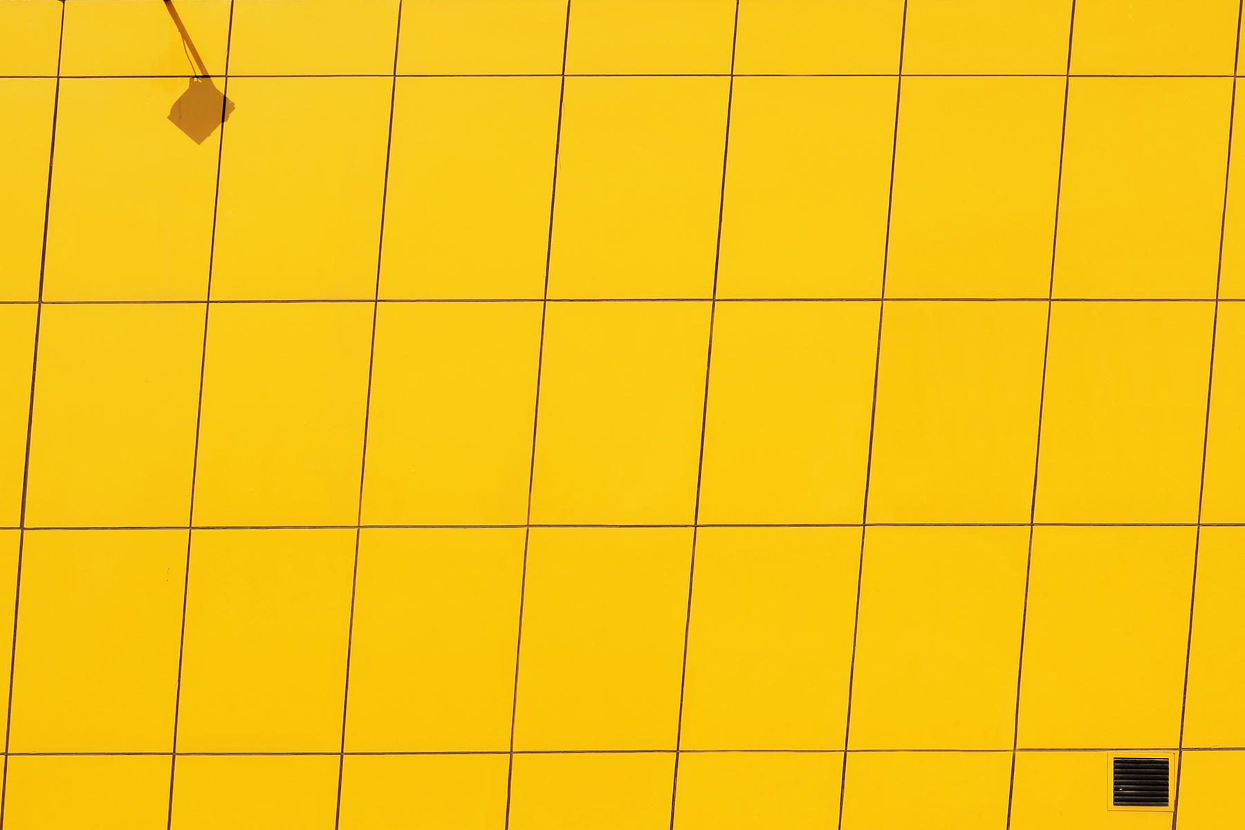 Wallpaper_Yener-_YellowWall2--2