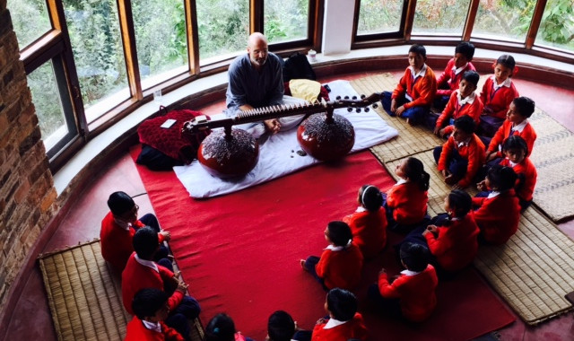Veena class at Hari ka Tola Retreat