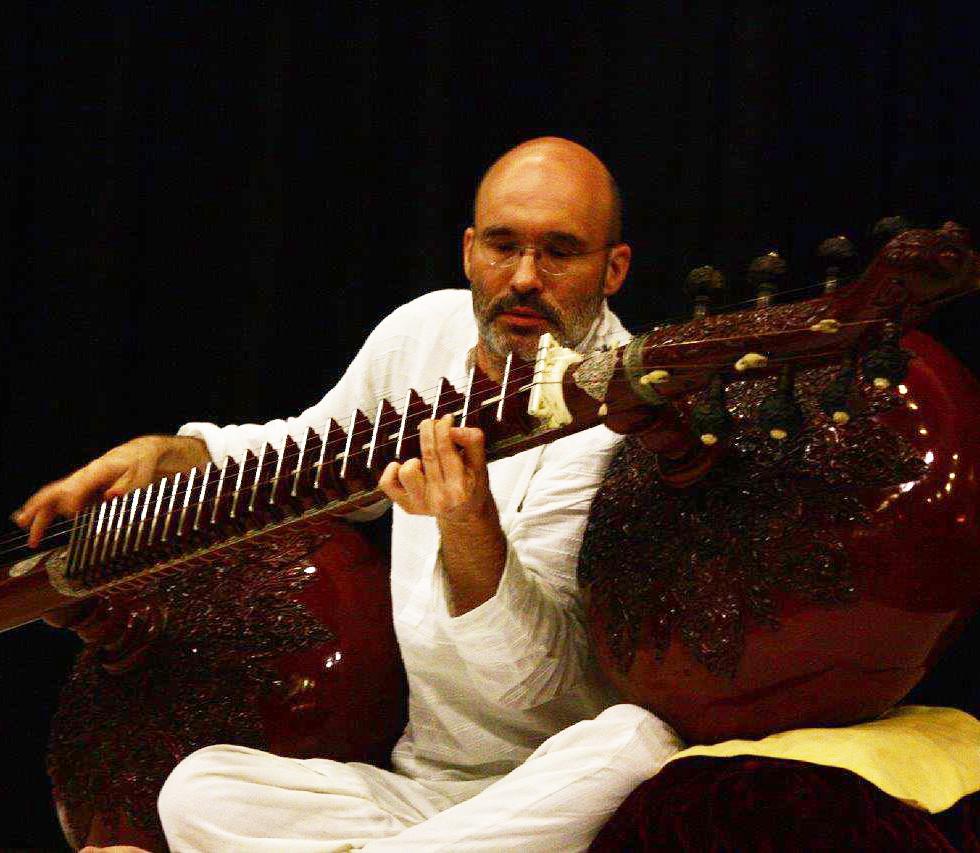 Carsten Wicke with Rudra Veena Ustad Asad Ali Khan Tribute Concert