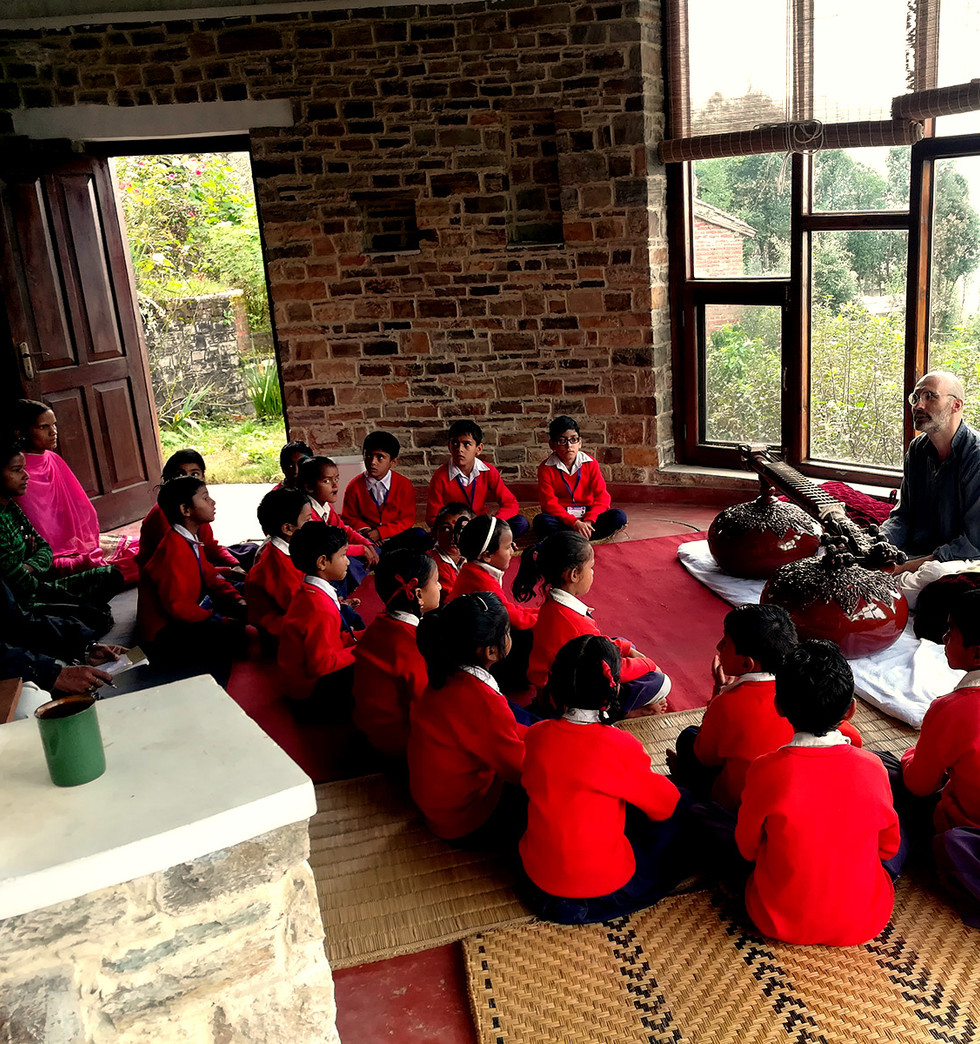 Veena class at Hari ka Tola Retreat