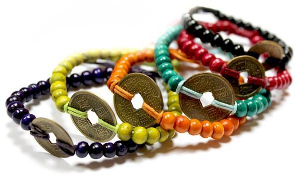 Bracelets colorés porte-bonheur de Bali