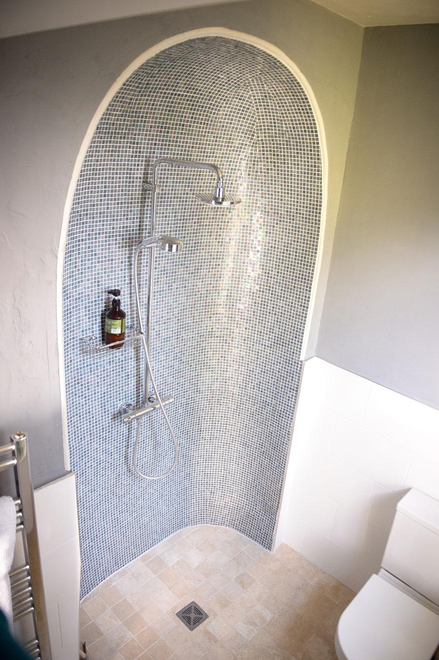The Hopton en-suite wet room