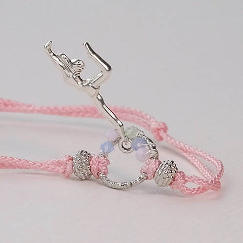 On the Hoop : The Pink Bracelet