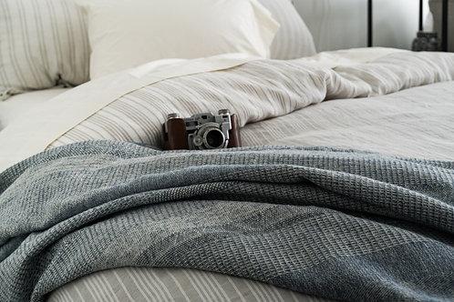 100% Organic Yarn-Dyed Brushed Cotton Throw Blanket