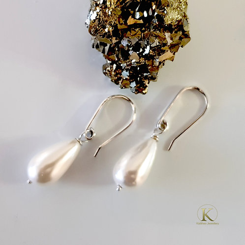 Dew Drop - Teardrop Shell Pearl Earrings