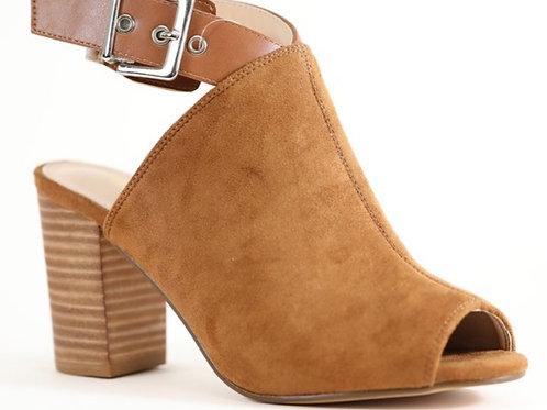 Peep toe chunky heel sandals in toffee
