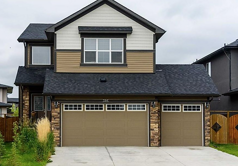 CHESTERMERE 4 bed / 4 bath home