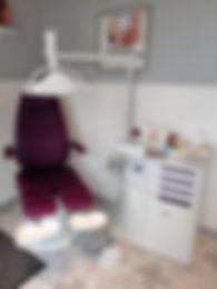 pedicurechaise.jpg