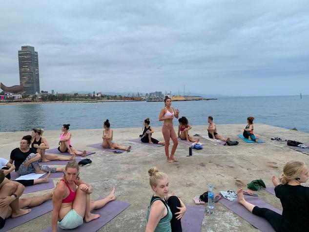 yoga en espigón del gas