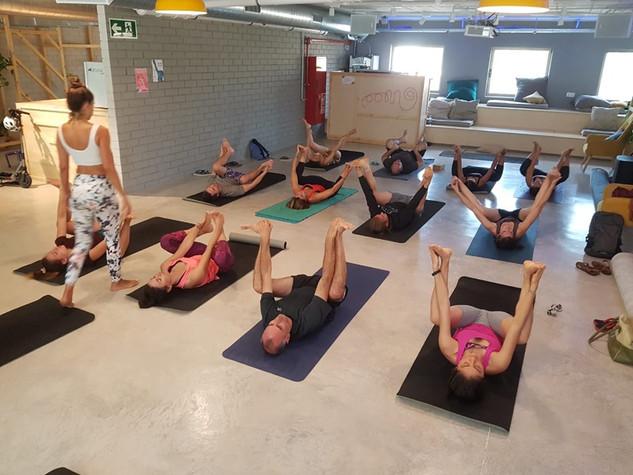 yoga en unite hostel