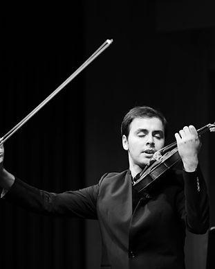 Violinplayer.JPG