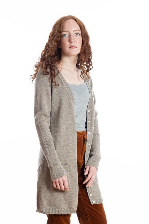 Langstrickjacke aus feinster Alpaka ist ein eleganter Cardigan für Frauen