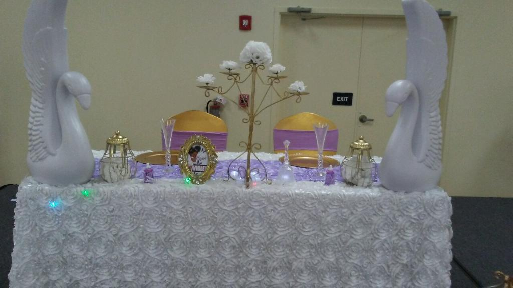 Daddy & Mommy Table Set Up