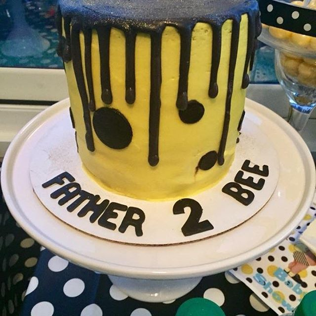 Father 2 Bee Cake