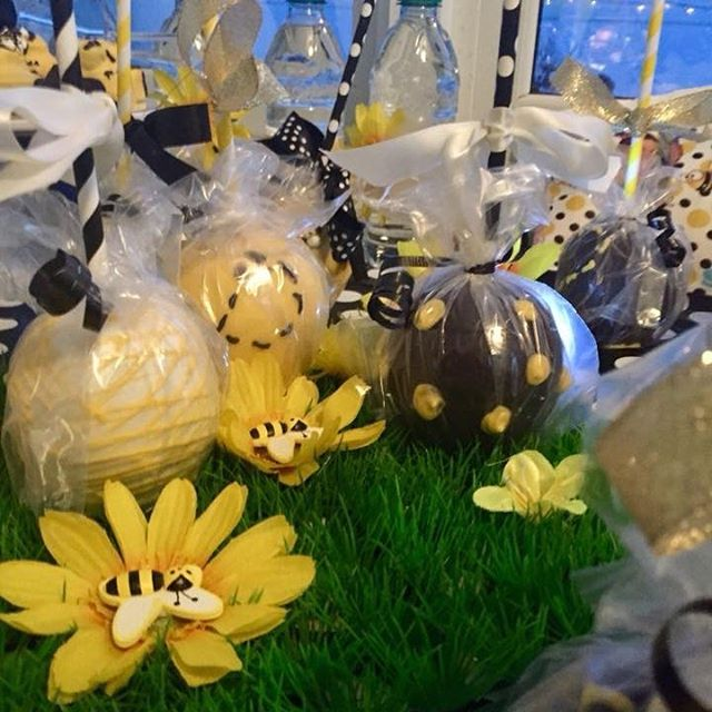 Bumble Bee Candy Apples