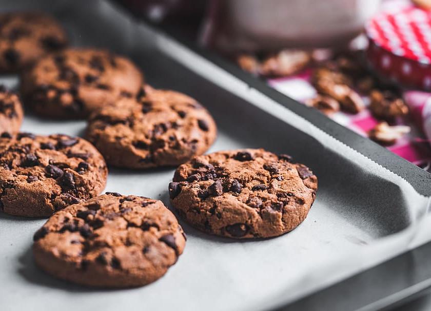 ED Recovery - Eating junk food cookies