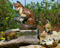 Fox family sculpture Maury Regional