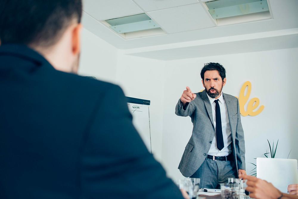 10 pasos para despedir a un empleado por primera vez - artículo de coaching de mejora continua de Luis Marino