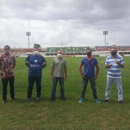 Em pausa, secretarias de esporte e agricultura analisam gramado do Nogueirão