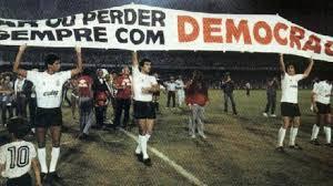 A maior camisa do esporte é a da democracia