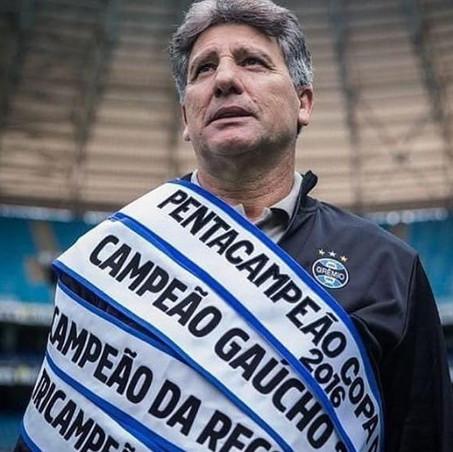 Renato Gaúcho surfa nos outros técnicos brasileiros