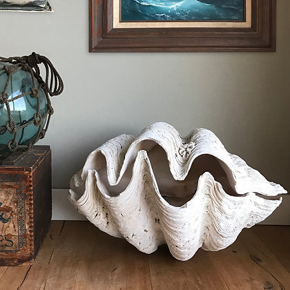 Vintage Giant Double Clam