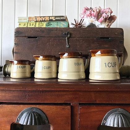 Vintage Measuring Jug Set