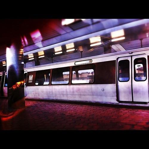 91: national airport metro