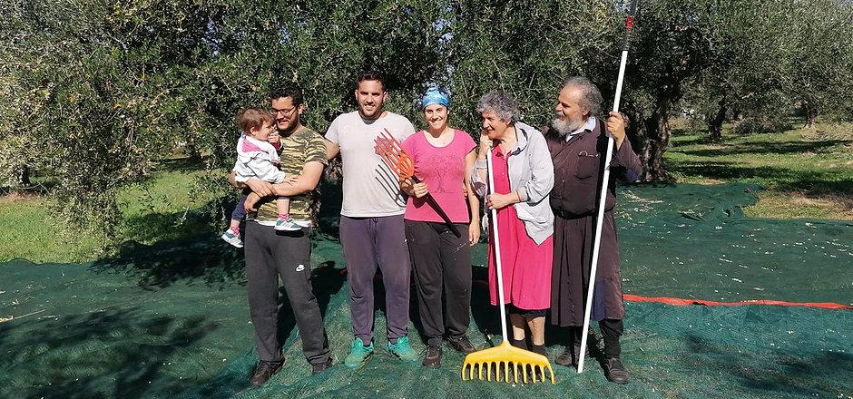 Olivenbauern_Familie_Ernte.jpg