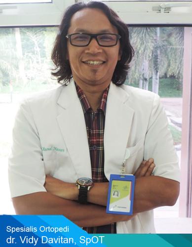 dr vidy.jpg