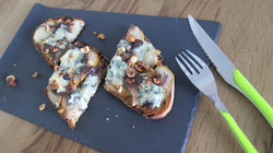 tartine poire - bleu des causses et noisettes (2)