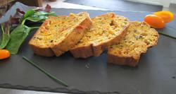Cake_aux_tomates_séchées__Olive_et_Tome_de_chèvre_(2)