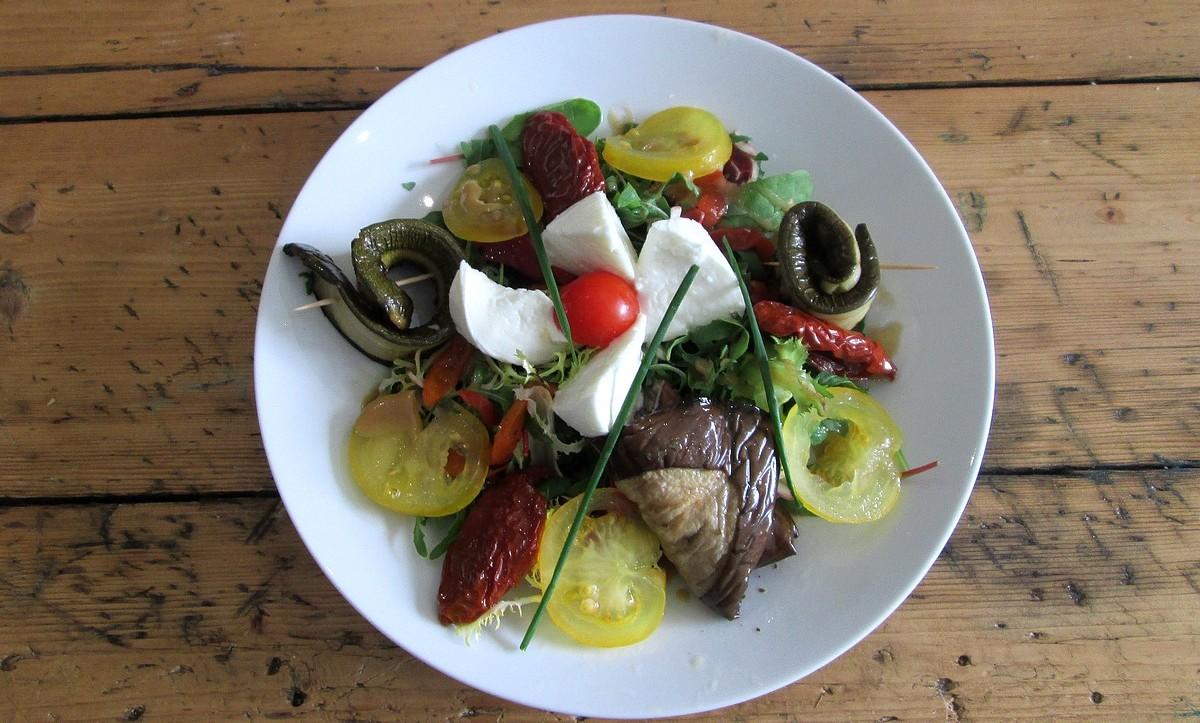 Salade antipasti et mozzarella (2)