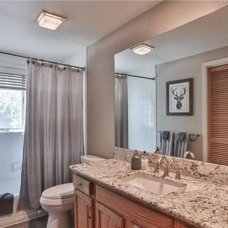 Lake Tahoe Rental Bathroom