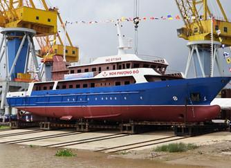 Hạ Thủy Tàu Hoa Phượng Đỏ K003