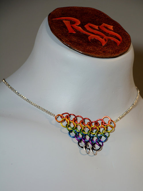 Chain with Chainmail Triangle: Rainbow jewelry accessory