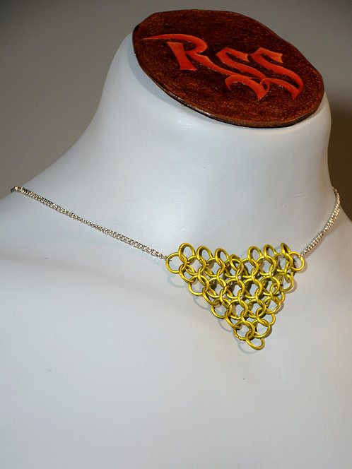 Chain with Chainmail Triangle: Yellow jewelry accessory