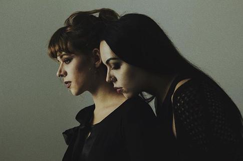 VON GREY sisters