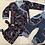 Thumbnail: Gavesett til baby; omslagsbody, buske m detalj/lomme