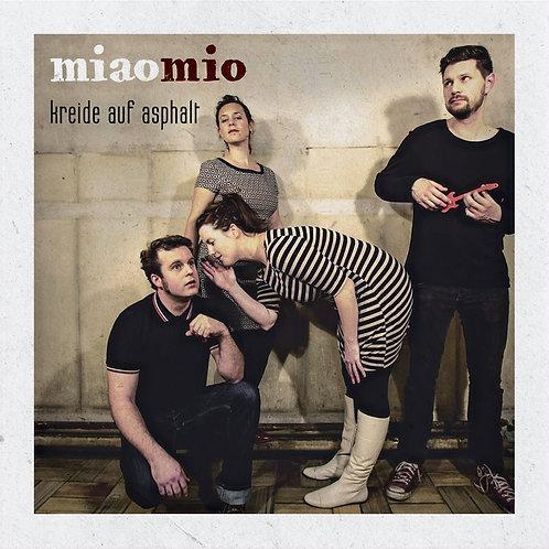 miaomio - Kreide auf Asphalt