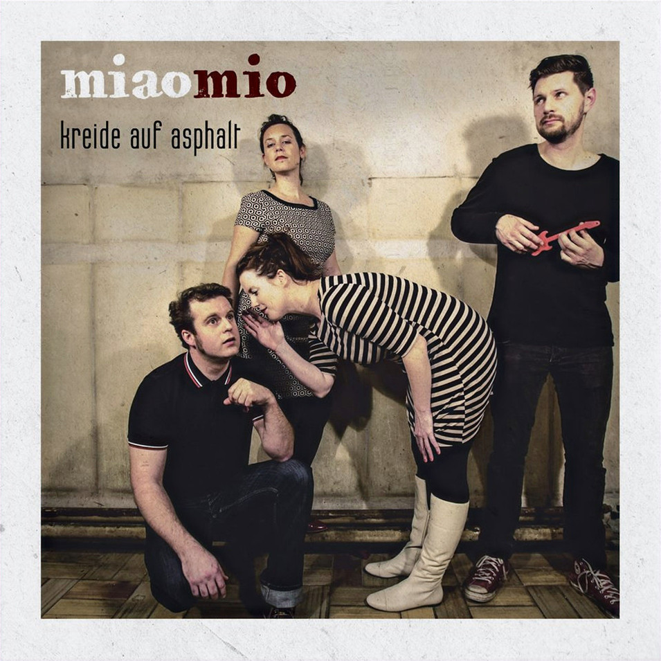 2014 miaomio - Kreide auf Asphalt