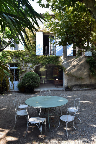 """Lunches, dinners & """"apéritifs"""" .... in the shade of our magnifient ancient Plane tree"""