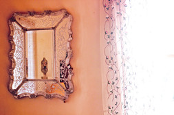 Le Mas Méjean - St Rémy de Provence - Master bedroom Venitien mirror